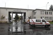 Nemocnica s poliklinikou NsP Prievidza so sídlom v Bojniciach.