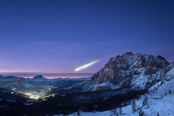 V novembri 2017 vletel do atmosféry Zeme neďaleko nemeckého Darmstadtu meteorit o veľkosti futbalovej lopty. Žiaru videli ľudia v Nemecku, Francúzsku, Švajčiarsku, Rakúsku a Luxembursku.