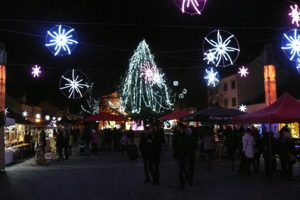 Silvestrovský program v Martine sa uskutoční na Divadelnom námestí. Začína sa o 22. h.