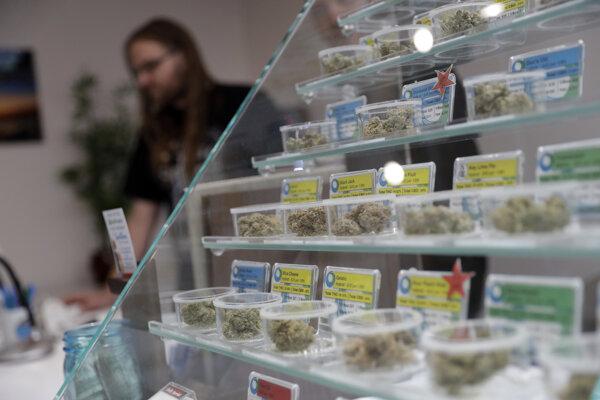 Obchod s marihuanou v Kalifornii.