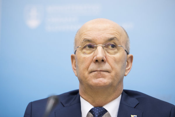 Generálny tajomník služobného úradu Ministerstva obrany SR Ján Hoľko.