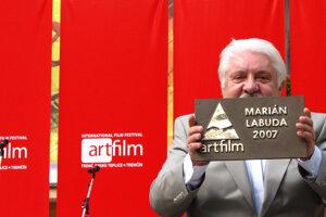 V roku 2007 si na Moste slávy v Trenčianskych Tepliciach prevzal mosadznú plaketu Hercova misia