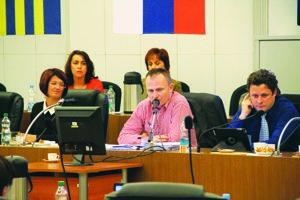 Primátor Galanty považuje prijaté uznesenie za nevýhodné pre mesto.