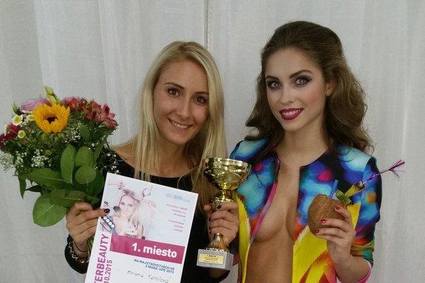 Mija so svojou víťaznou modelkou.