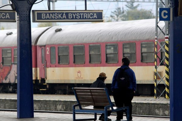 Črtajú sa pre Bystricu kvalitnejšie vlaky?