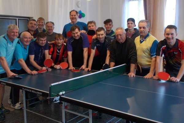 Účastníci turnaja v Lužanoch.