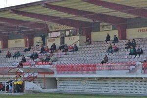 Na zápasy MFK chodí čoraz menej ľudí.