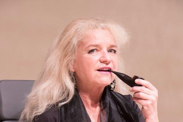 Adriana Krúpová. Hru vníma ako autorka aj ako herečka.