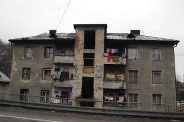 """Nové nájomné byty mali nahradiť """"dom hrôzy"""", ako ho obyvatelia nazvali"""
