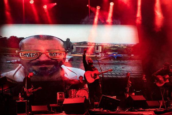 Dobrý festival v tomto roku nebude, IMT Smile zahrajú na prešovskom amfiteátri.