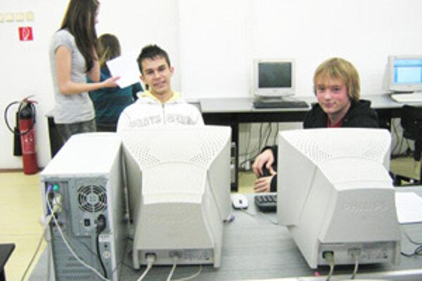 Vľavo Andrej Homola.