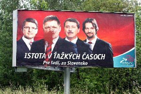 """Volebná kampaň v Banskej Bystrici sa doslovne """"vyfarbila""""."""