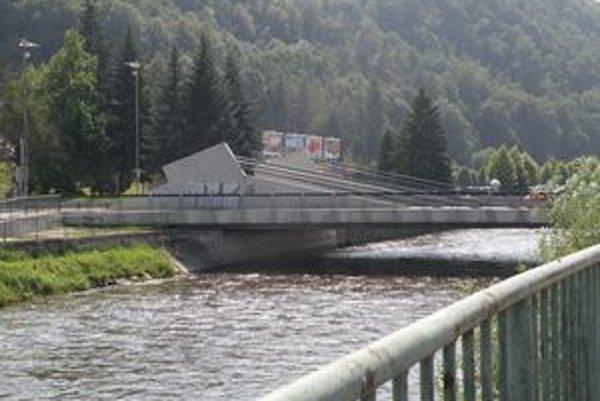 Pri rekonštrukcii mosta, kapacitu prietoku nezvýšili.