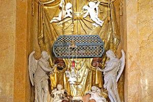 Kaplnka v dóme sv. Martina ukrýva aj relikvie sv. Jána Almužníka.