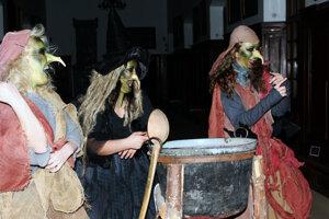 Iba silným povahám odporúčajú organizátori v týchto dňoch návštevu Bojnického zámku, kde sa 28. apríla 2011 začal Strašidelný majáles v rámci XVIII. ročníka Medzinárodného festivalu duchov a strašidiel.