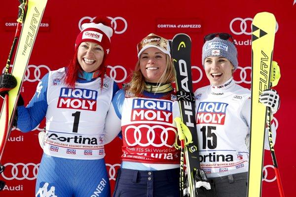 Zľava Johanna Schnarfová, Lara Gutová a Nicole Schmidhoferová.
