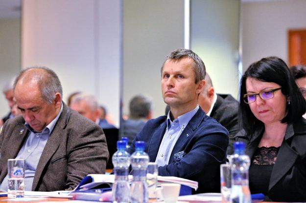 Milan Dvorščík (v strede).