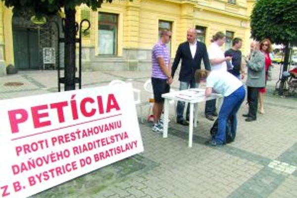 Banskobystričania chceli zachovať sídlo finančnej inštitúcie v meste.