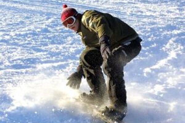 Kolízie lyžiarov a snowboardistov sú na svahoch časté