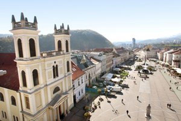 Od soboty bude podobné výhľady ponúkať návšteva Hodinovej veže v Banskej Bystrici.