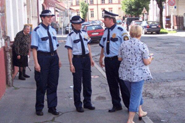 Policajtky v Brezne nastúpili minulý týždeň do služby.