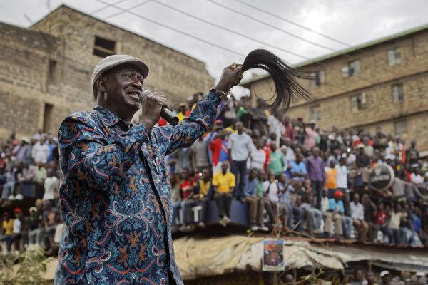 Odinga vyhlasoval, že voľby boli zmanipulované.
