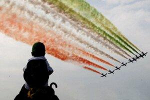 Vlani sa predstavili aj Frecce Tricolori z Talianska.