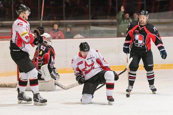 V základnej časti Hviezda oba zápasy s Bratislavou B vyhrala.
