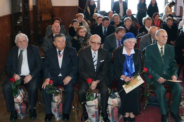 Ocenení seniori. Sprava Jozef Grác, Elena Dolinková, Ing. Martin Hagara, Anton Michele a Ing. Augustín Machata