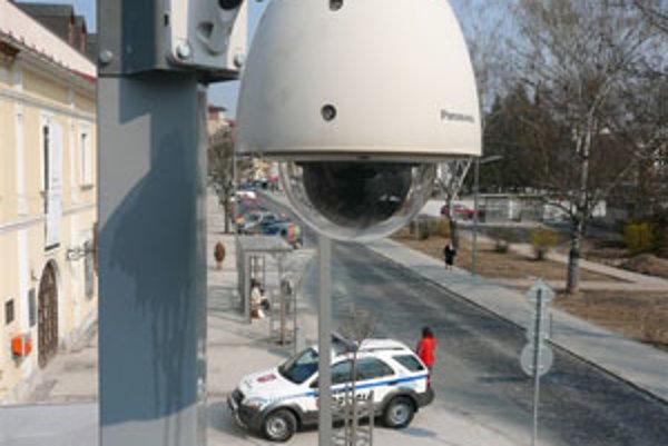 Polícia monitoruje prostredníctvom kamier hlavne centrum mesta.