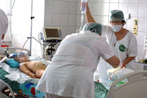 Zvolenskej nemocnici hrozí bezvládie.