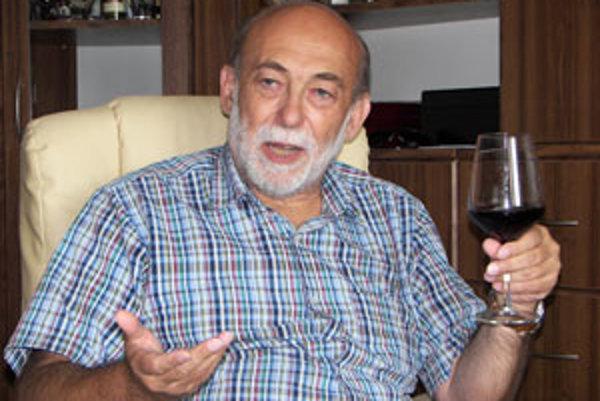 Už Louis Pasteur hovoril o prednostiach vína, hovorí Peter Randuška.