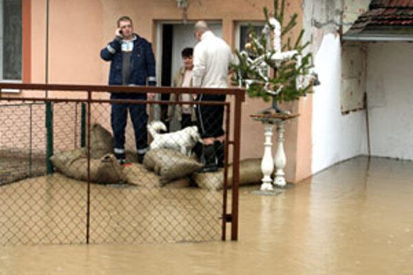 Povodeň vyhnala po Vianociach ľudí z domu.