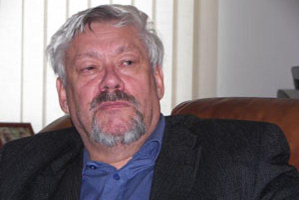 Nenechám si špiniť svoje meno, hovorí Stanislav Koreň.