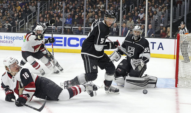 Hokejisti Los Angeles Kings nedali Arizone šancu.