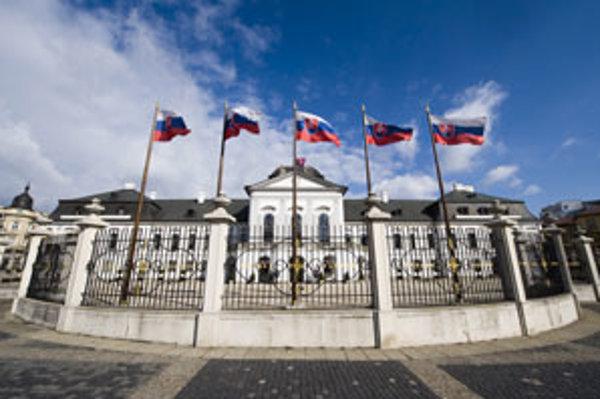Prezidentský palác v Bratislave. Kto si doň zasadne, záleží aj od vás.