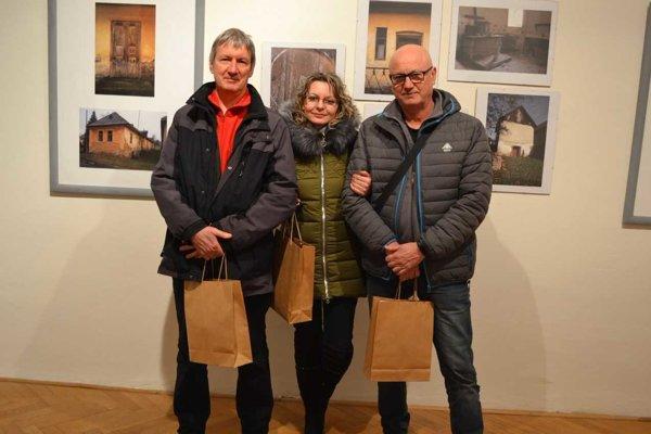 Ocenení autori. Ľudovít Hruška (zľava), Lenka Cholpová a Vladimír Vajs.