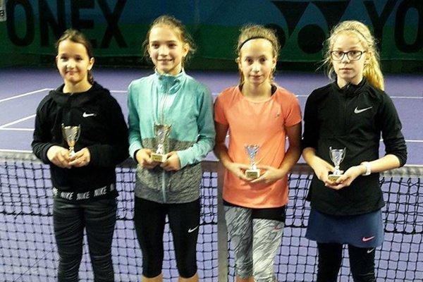 Po finále štvorhry - zľava Hradecká, Káňová, Štveráková a Žingorová.