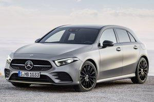 Kompaktný Mercedes-Benz A novej generácie. Vonkajšie rozmery sa zmenili pomerne málo, dizajnéri zachovali základné rysy karosérie tak, aby bolo vozidlo jednoznačne definovateľné ako mercedes triedy A.