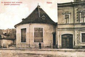 Tzv. suchý mlyn, od roku 1909 umelecký ateliér na dnešnej Zbrojničnej ulici.
