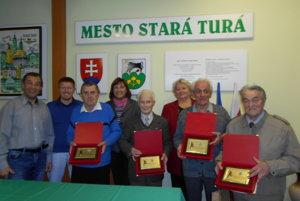 Zľava: Ján Hodermarský, Miroslav Krč, Martin Bača, Anna Halinárová, Milan Zeman, Zuzana Zigová, Milan Kusenda, František Truhlík.