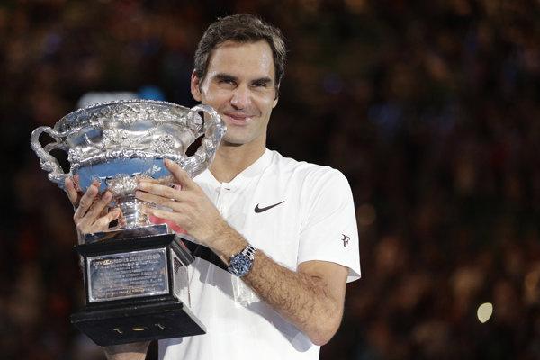 Roger Federer sa naposledy tešil zo zisku trofeje na Australian Open.