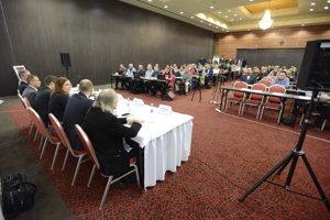 Diskusia so županom Trnavského samosprávneho kraja Jozefom Viskupičom.