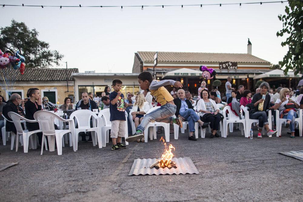 Svätojánska zábava vGrécku na Korfu.