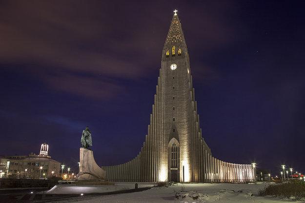 Hallgrimskirkja v Reykjavíku.