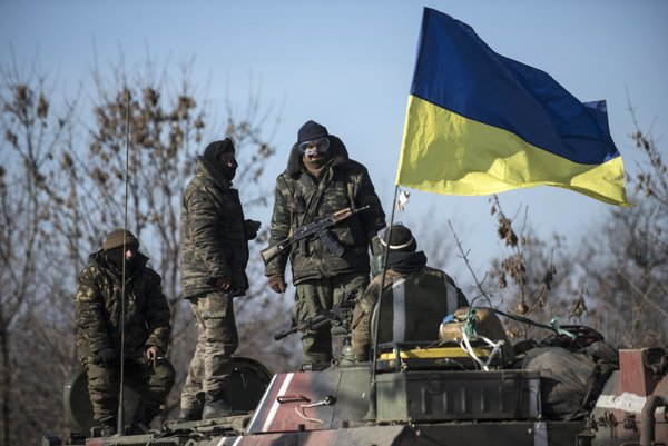 Ukrajinskí vojaci pri východoukrajinskom meste Artemivsk.
