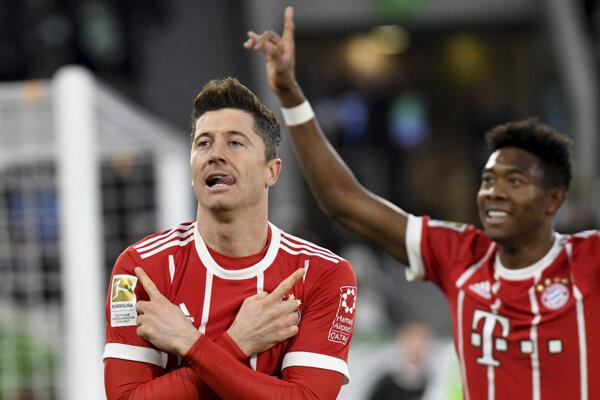 Robert Lewandowski (vľavo) rozhodol o víťazstve Bayernu.