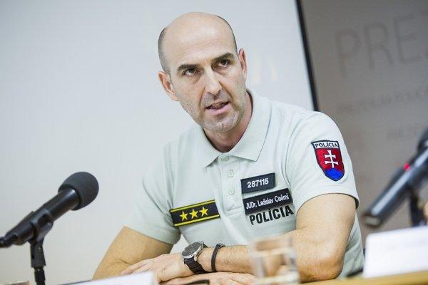 Riaditeľ Úradu hraničnej a cudzineckej polície Prezídia Policajného zboru Ladislav Csémi.