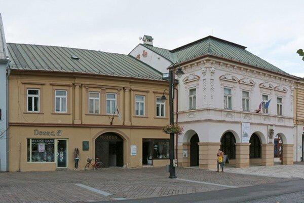 Sídelná budova v centre Liptovského Mikuláša.