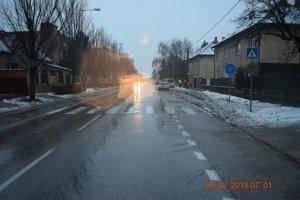 Nehoda sa stala na priechode pre chodcov na Zelenečskej ulici.